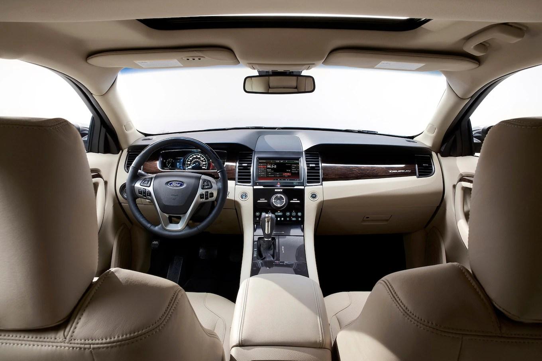 2014 Ford Taurus Se Inside