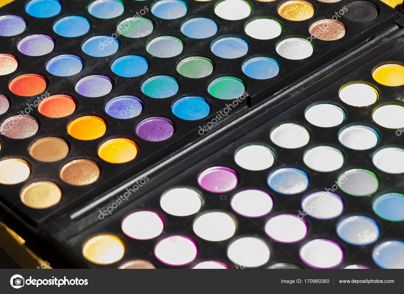 Colorful eyeshadow palette  Makeup background  Makeup texture     Makeup background  Makeup texture Horizontal     Photo by shellexx
