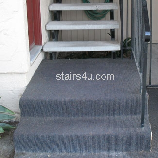 Outdoor Carpet On Concrete Stair | Outdoor Carpet For Steps | Front Entrance | Marine | Navy Pattern | Rubber | Diy