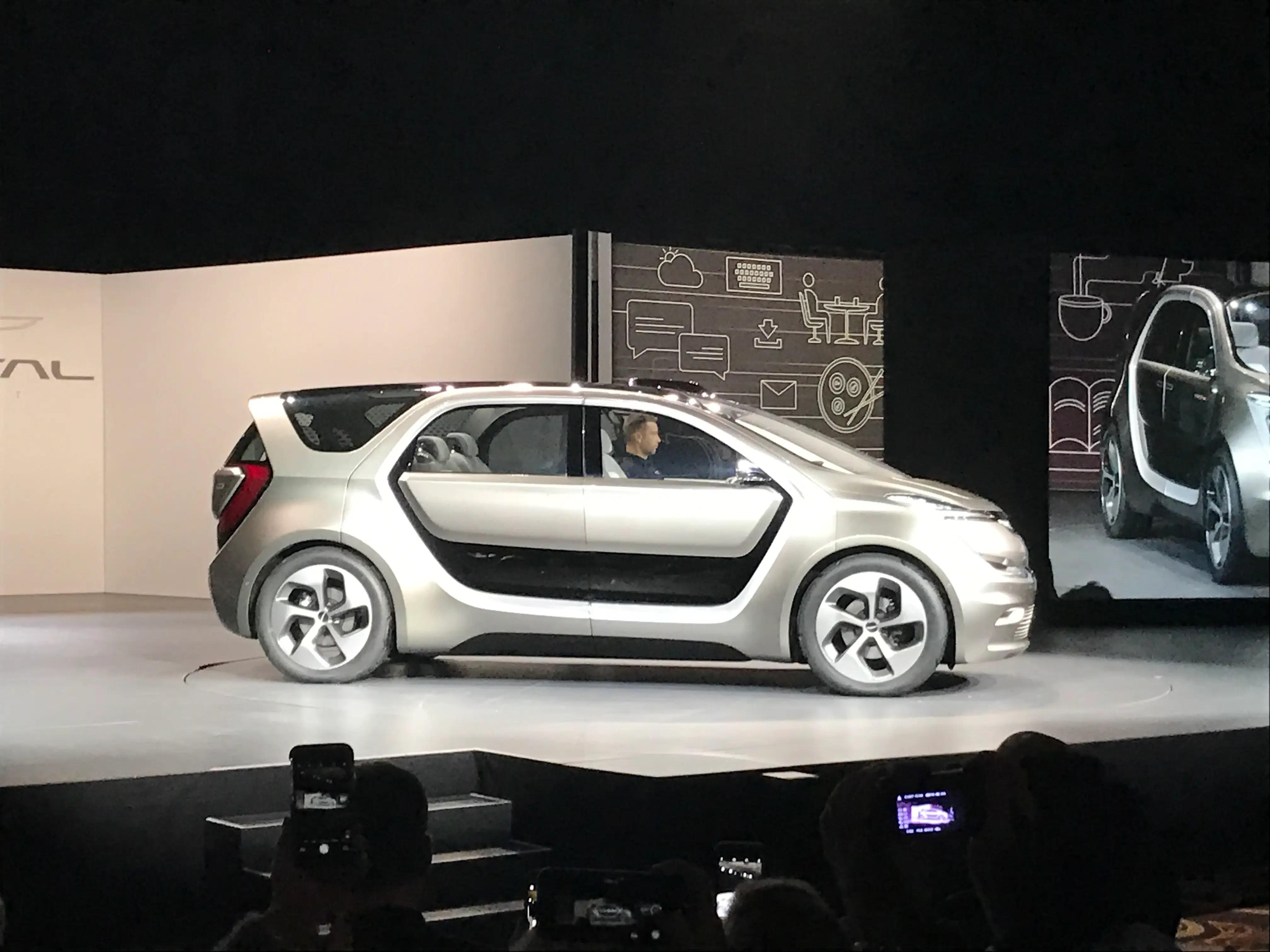 Fca Just Unveiled An All Electric High Tech Minivan
