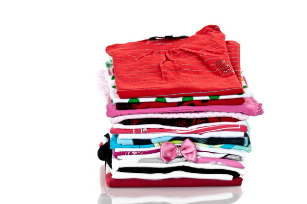 Pictures : How to Spring Clean Your Closet - Pile Of Clothes