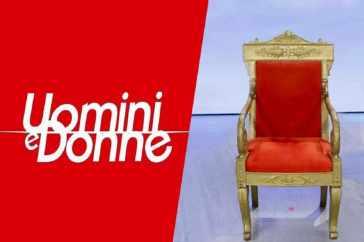 Uomini e Donne, anticipazioni di oggi 19 ottobre: Gemma Galgani e il gavettone a Tina Cipollari, Biagio Di Maro sotto accusa