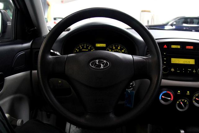 2007 Hyundai Accent Interior Pictures Cargurus