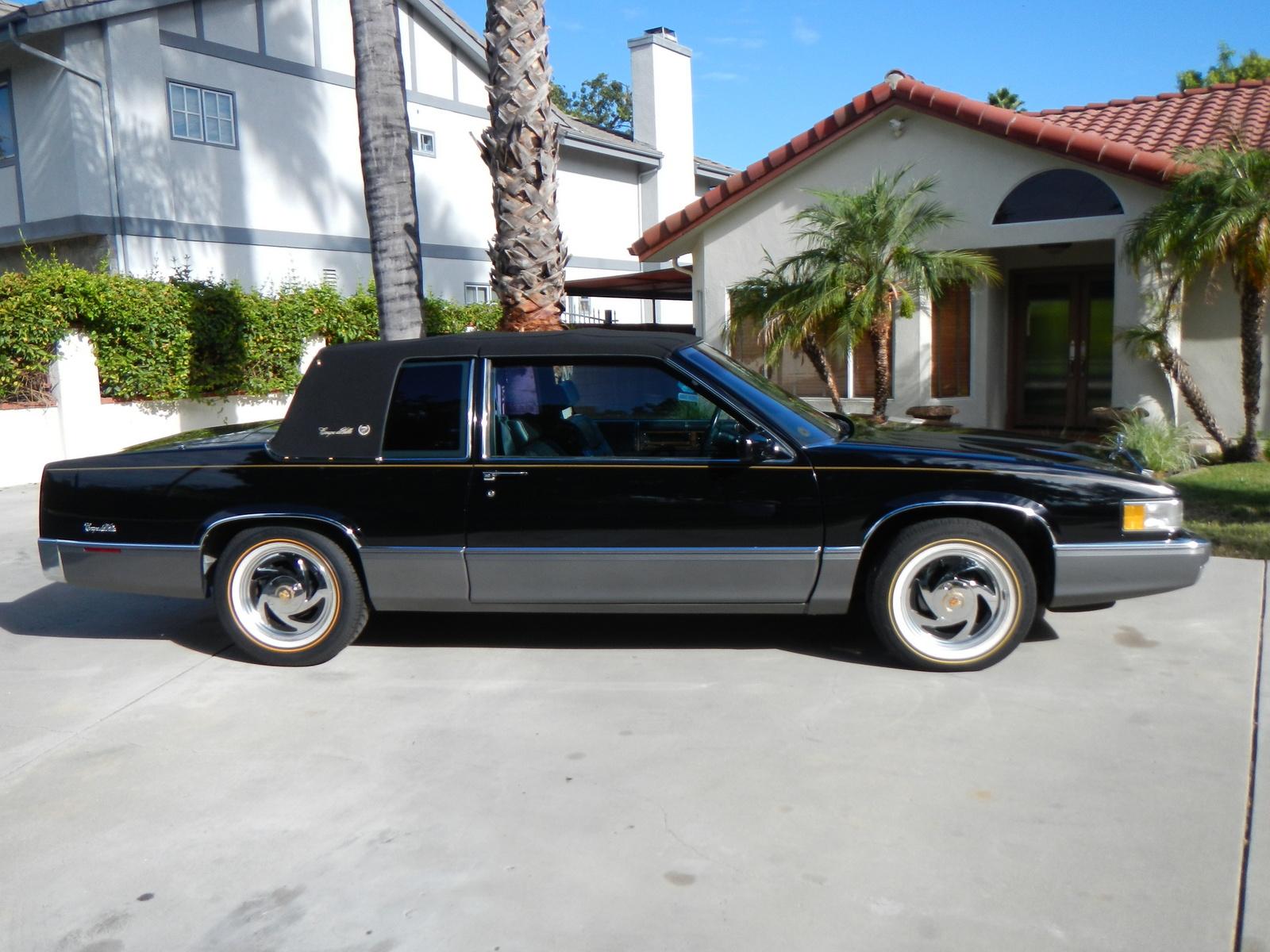 1988 Cadillac Sedan Deville