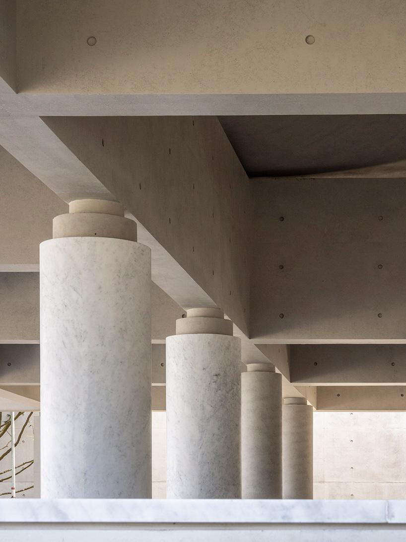 225 Lvaro Siza Carlos Castanheira Design Mausoleum For