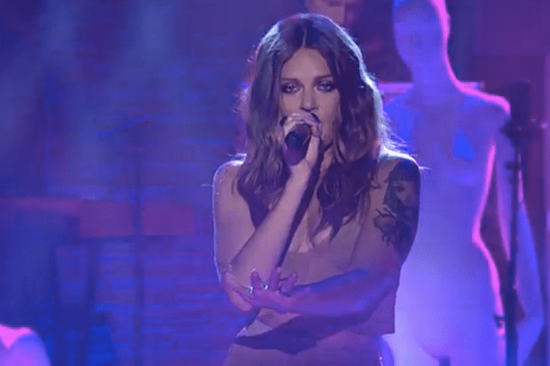 "Tove Lo Performs ""Talking Body"" On 'Late Night With Seth ..."