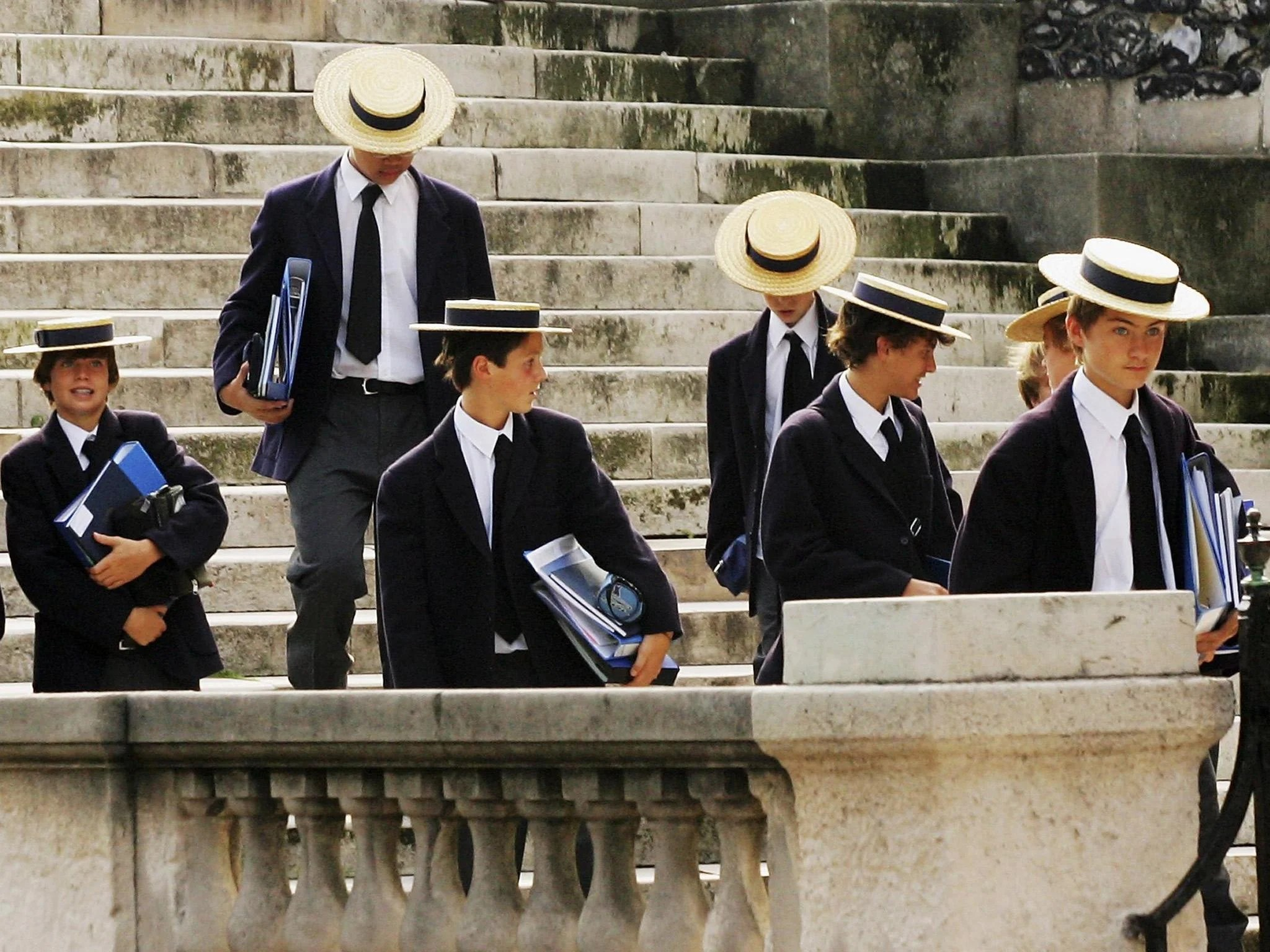 Privately educated people dominate top British jobs ...
