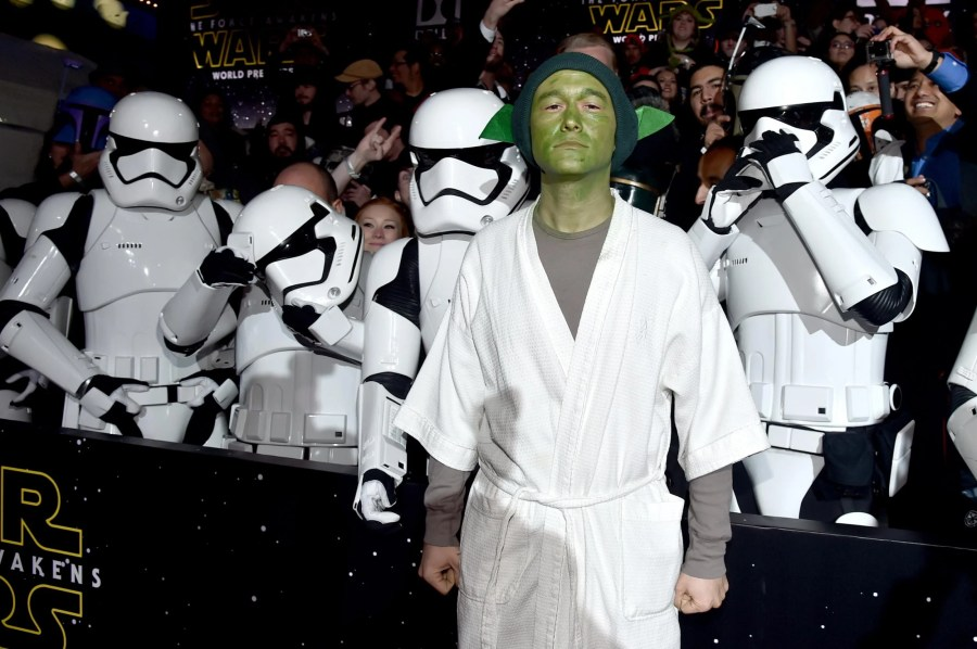 Star Wars  The Force Awakens world premiere   Joseph Gordon Levitt     Star Wars  The Force Awakens world premiere   Joseph Gordon Levitt turned up  as Yoda   The Independent
