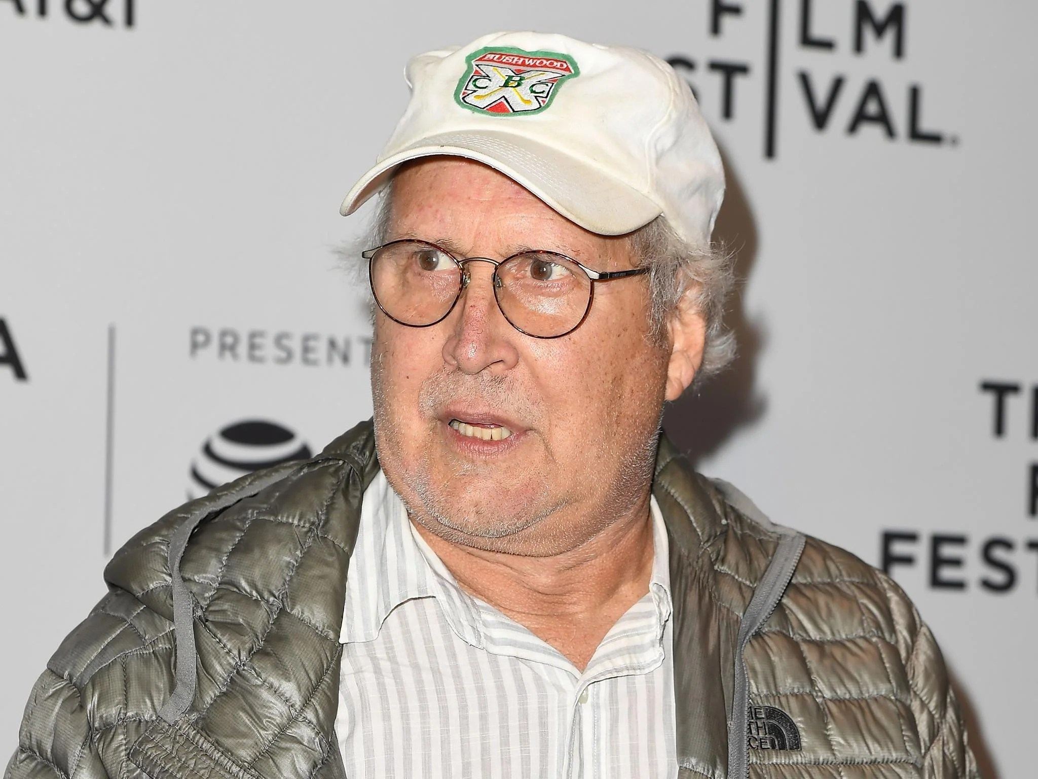Man  kicked Chevy Chase in self defence  in foul mouthed road rage     The American actor has not been charged