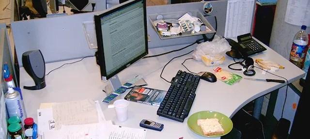 Receptionist Desk Away