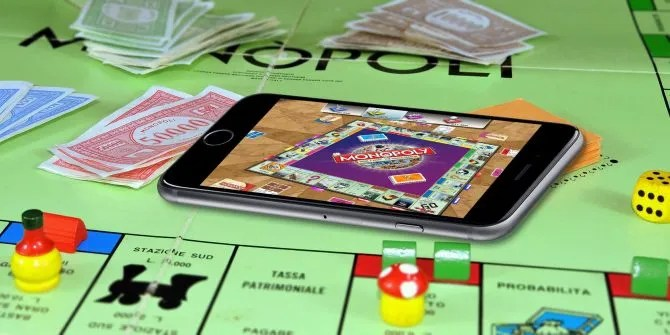 10 Classic Board Games You Can Play on Your Phone or Tablet