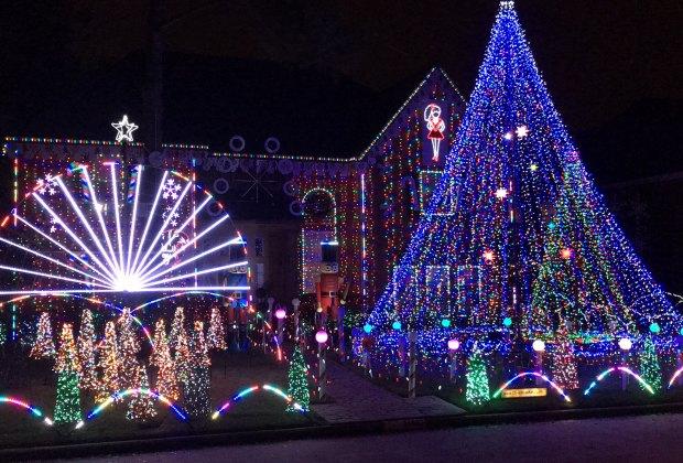 River Oaks Christmas Lights