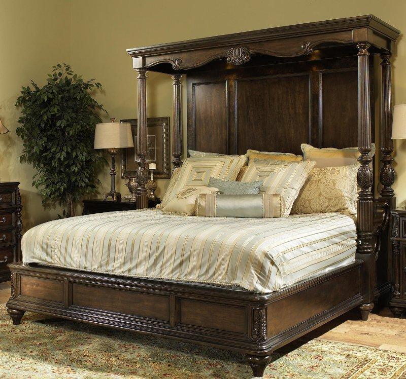 Queen Canopy Bedroom Set