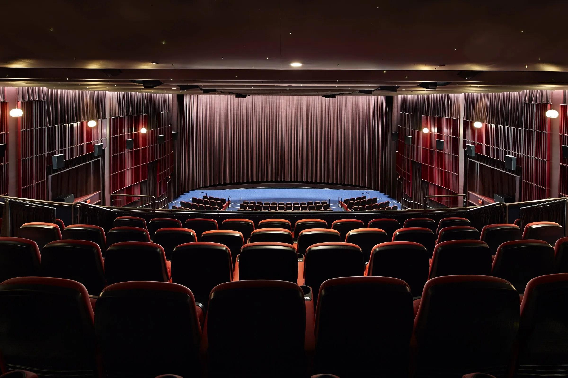 Dinner At A Movie Seattle Times Critics Evaluate Cinerama