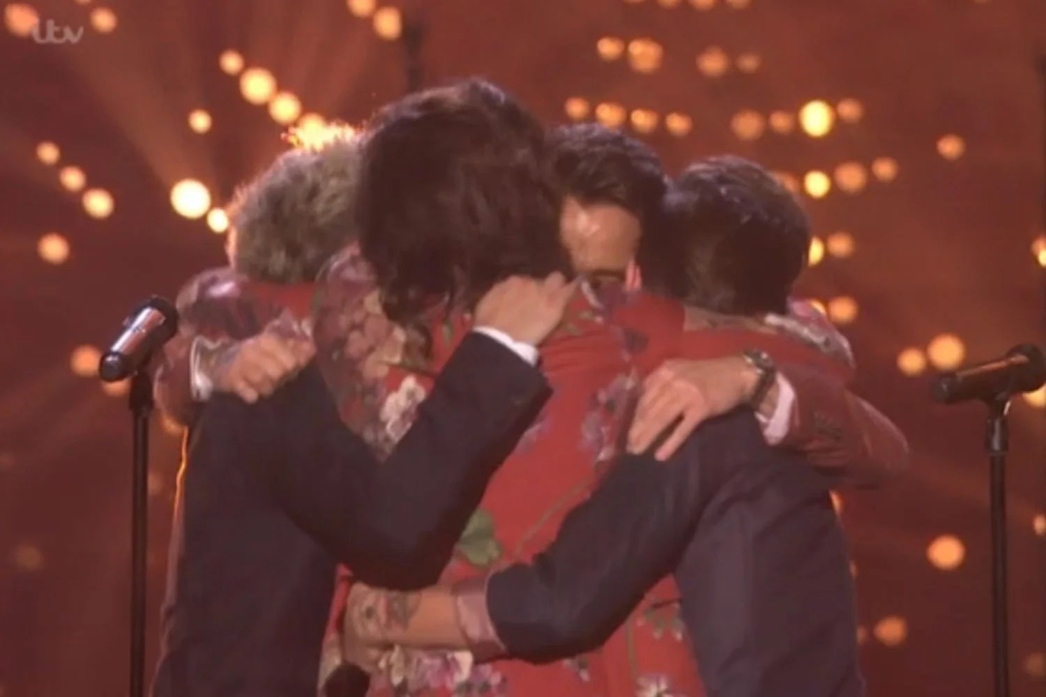 X Factor 2015 Final One Direction Give Emotional Farewell