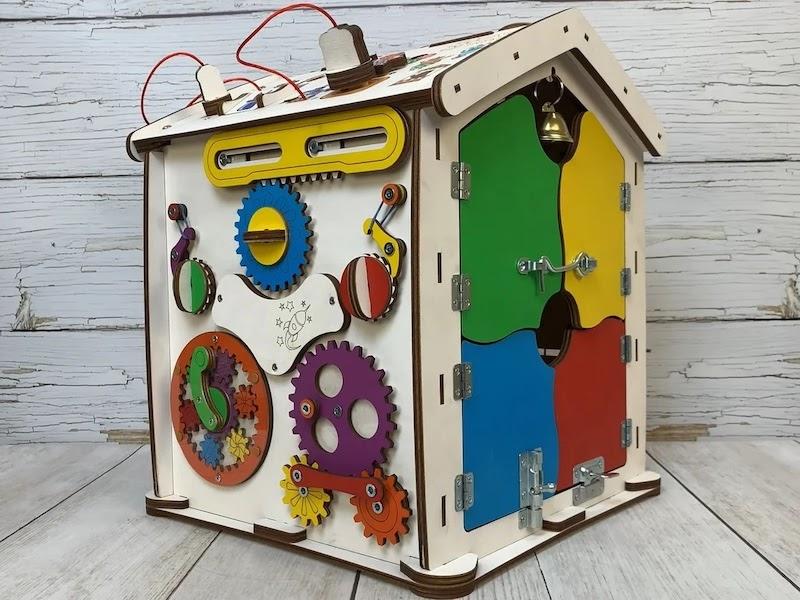 Anda boleh mendapat pengeluaran produk kayu untuk kanak-kanak.