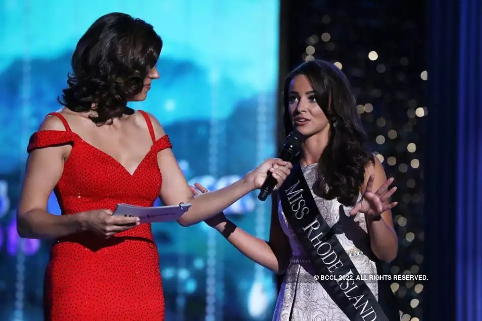 Top 5 Onstage Questions And Answers From Miss America 2018   Beauty     Top 5 Onstage Questions And Answers From Miss America 2018   Beauty  Pageants   Times of India Videos