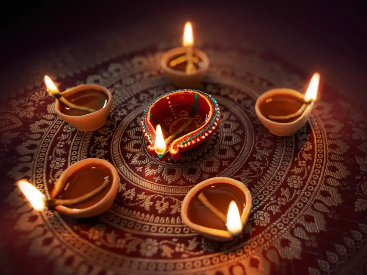 Happy Diwali 2019 Quotes, Wishes & Messages: 10 quotes ...