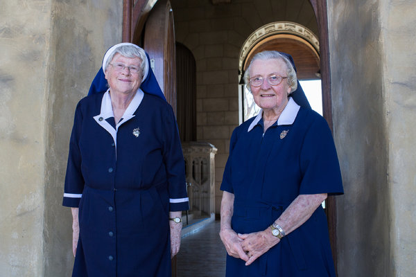 Nuns Intensify Fight Over Sale of Convent to Katy Perry ...