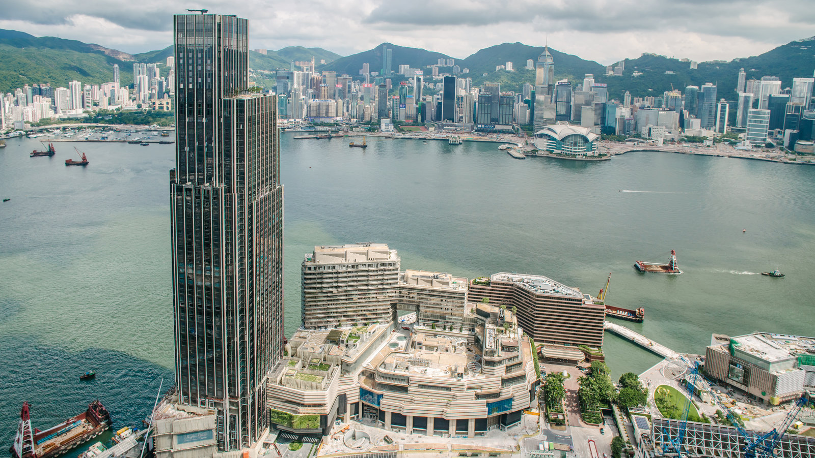 Aging Hong Kong Waterfront Gets A Face Lift The New York