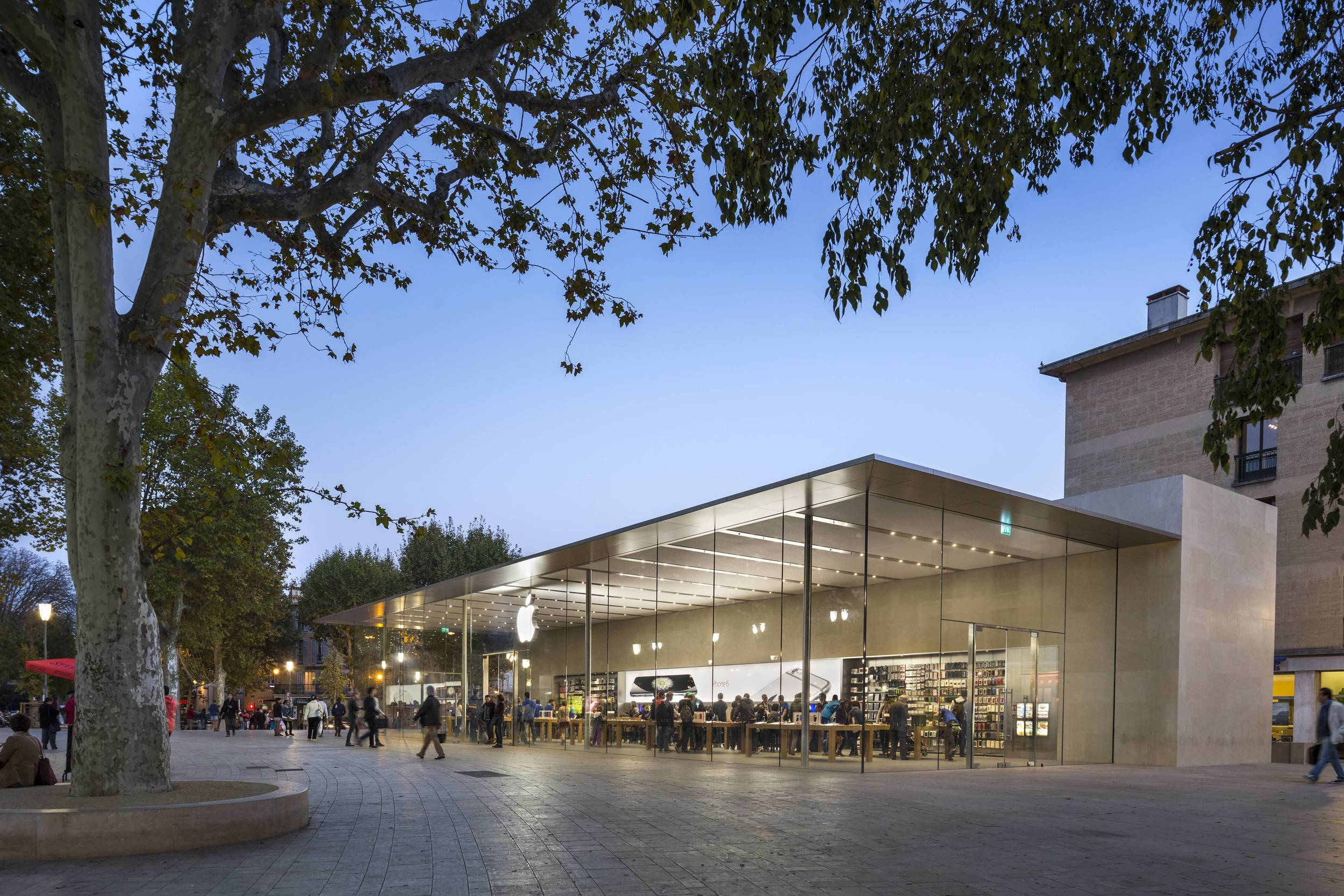 Apple stores     Interior Design   Architecture Apple Store   Aix en Provence  France