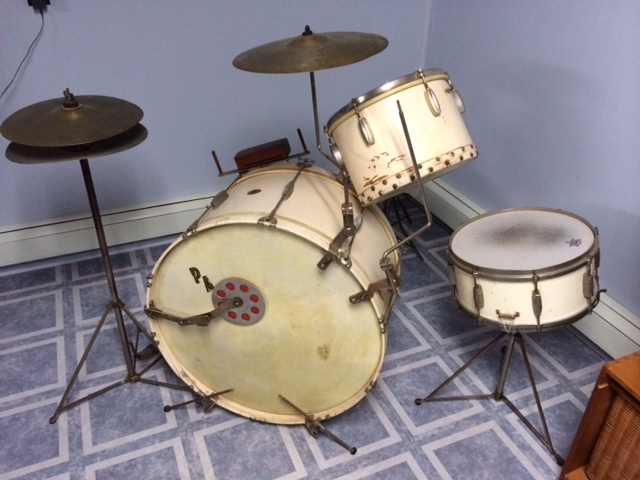 Slingerland 30s drum set for sale in Minneapolis photo copy 3 JPG
