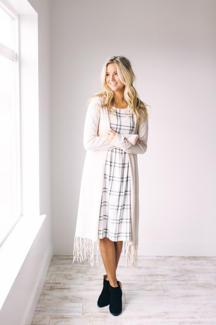 Modest Fashion Bloggers to Know      The Midi Maven Modest Fashion Bloggers to Know