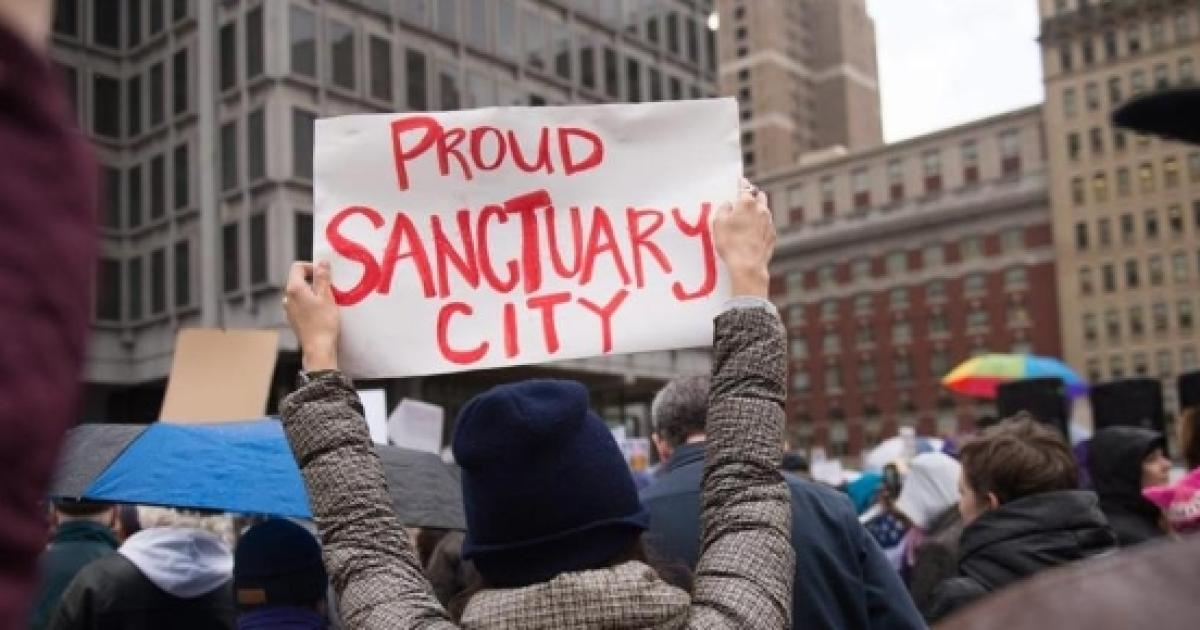 trump putting illegals in sancuary cities - 960×639
