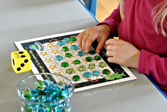 Space Theme Grid Games for Preschoolers Space theme counting grid games for preschoolers and kindergarten
