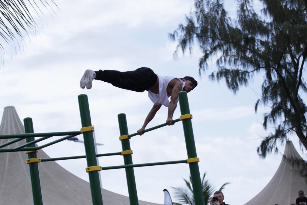 20 Amazing Photos Of All Around Street Workout Performers