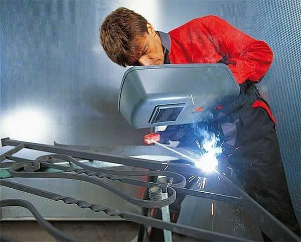 手动电弧焊接焊接机让您烹饪各种钢