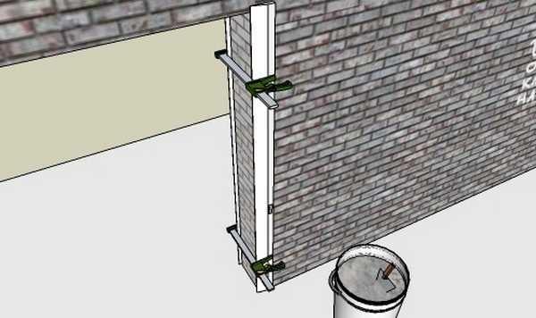 Для оштукатуривания дверного проема нужны две направляющие, которые устанавливают с двух сторон