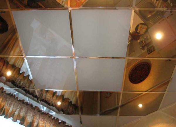 Ci sono pannelli per soffitti in fogli di PVC