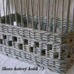Berikut adalah bakul atau dulang baki yang boleh dibuat dari tiub akhbar.