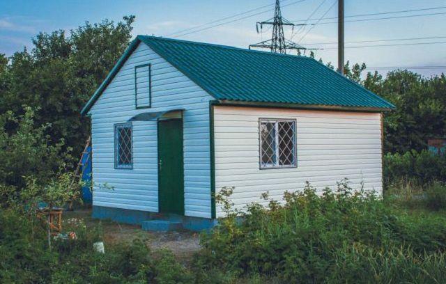 La casa prefabricada construida desde el conjunto terminado de detalles y nodos.