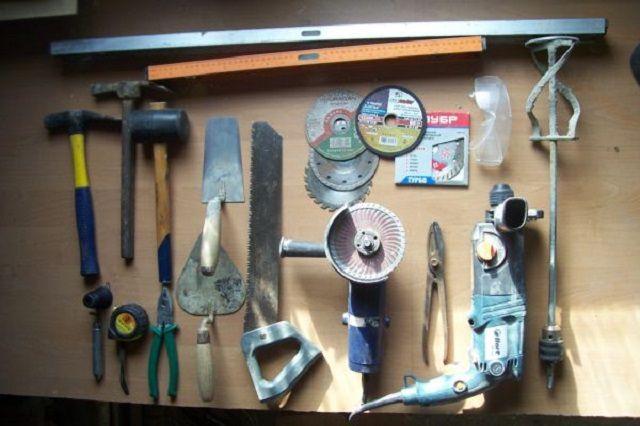 """Att arbeta är det nödvändigt att förbereda en mycket """"solid"""" uppsättning verktyg."""