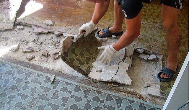 Ofte skal du ty til demontering af gamle gulve