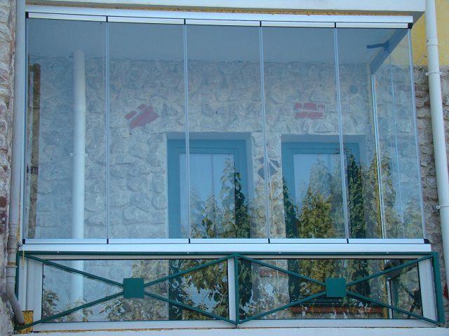 Алдынсыз жылтыратқыш - өте әдемі, бірақ толық жылы балконға сәйкес келмейді