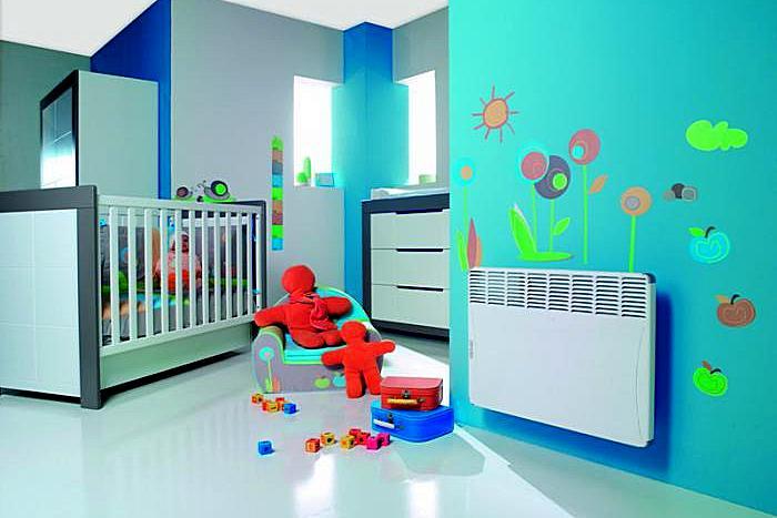 Nykyaikaisten sähköisten konvektoreiden turvallisuuden korkea taso voidaan sijoittaa lastenhuoneihin.