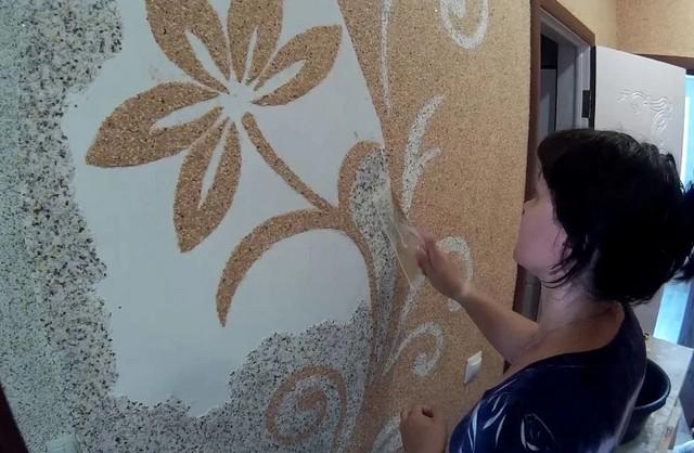 """Com a ajuda de """"wallpapers líquidos"""", é possível aplicar painéis de arte nas paredes em nossos próprios projetos."""