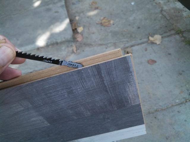 Ελέγξτε την καθαριότητα των κλειδαριών της ελασματοποιημένης πλακέτας.