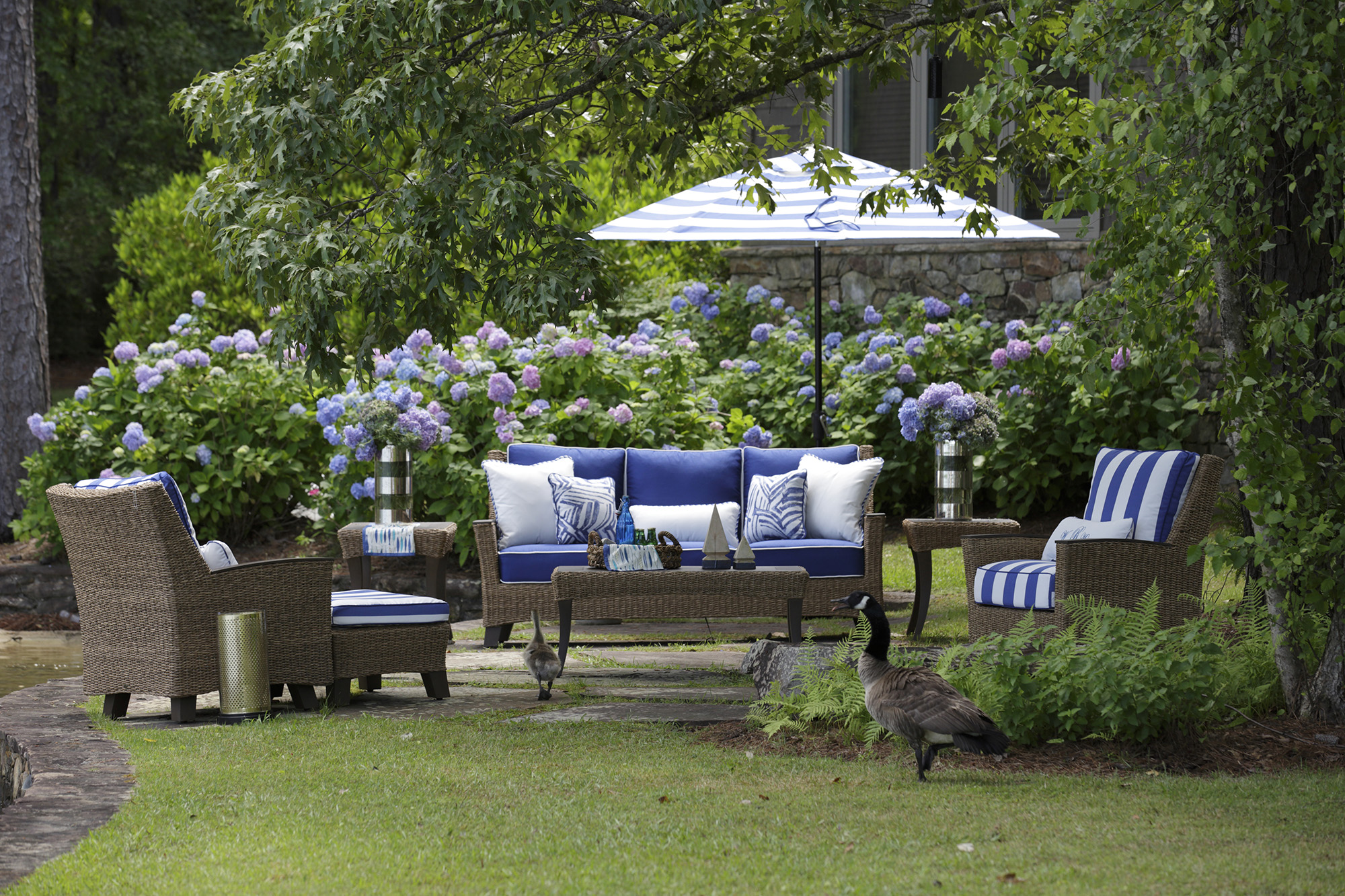 Inside Out Selecting Outdoor Fabrics And Upholstery For