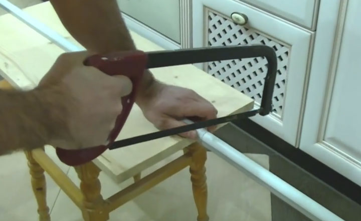 Металл қосылған металл бар лентаға арналған профильді кесу