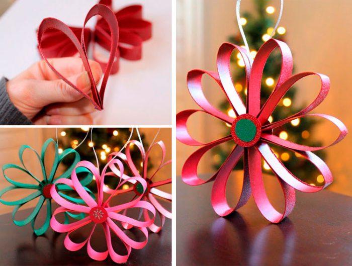 Flor de papel en el árbol de navidad