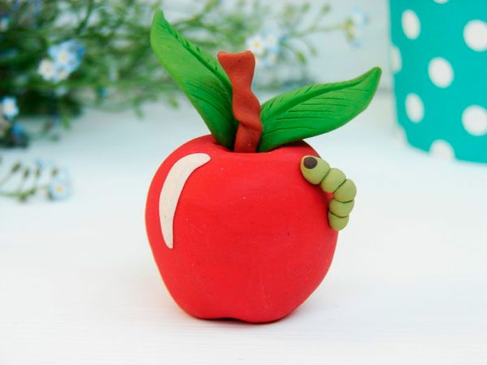 Apple van plasticine