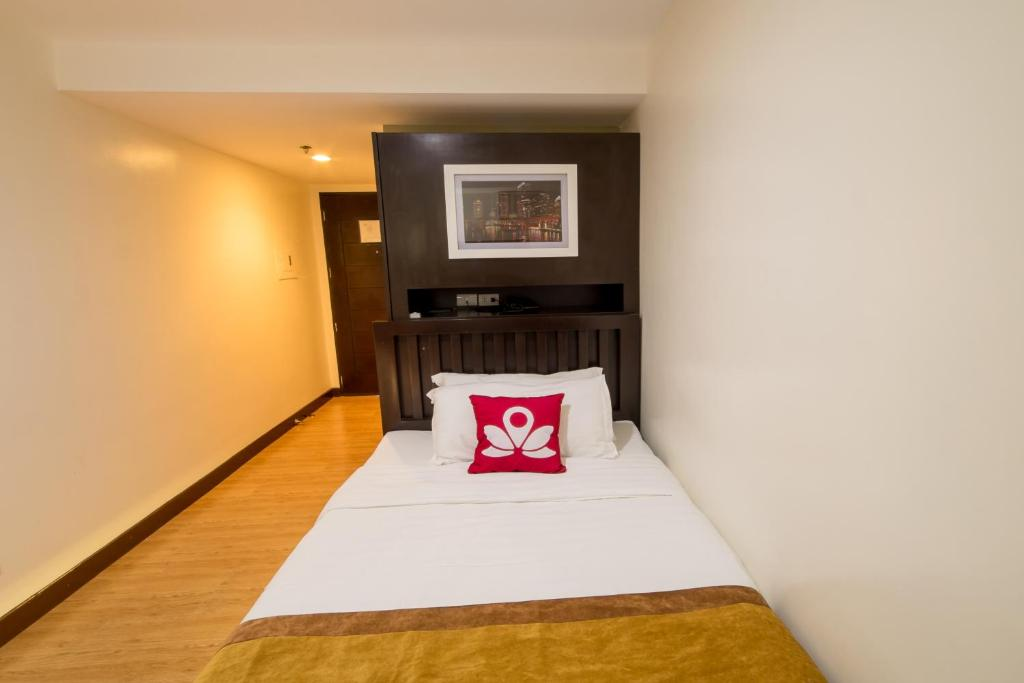 Hotel ZEN Rooms Valdez Street  Angeles  Philippines   Booking com Gallery image of this property