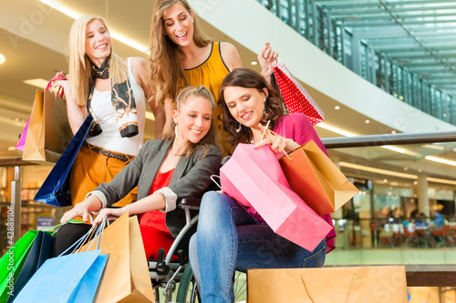 ladies shopping and dining - HD1200×982