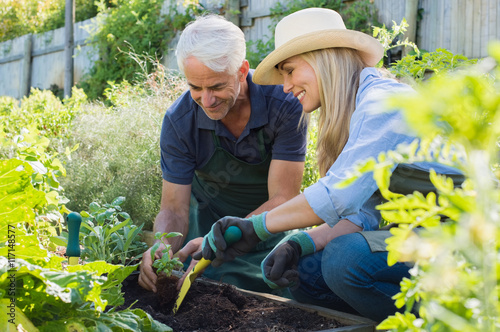 people gardening pictures - HD6144×4080