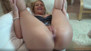 Kathia Nobili- Son you must make Mommy pregnant