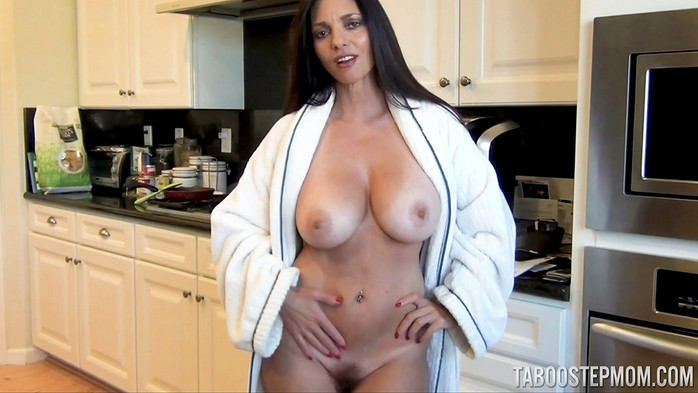 Mindi Mink – Sex Ed Mom Masturbation